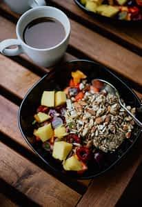 miska ze zdrowym jedzeniem